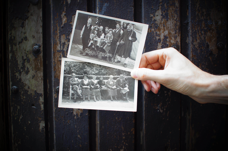 Abuelos Pajeandose cuando nuestros abuelos eran peque�os - institut l'alzina